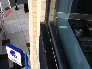 Commercial-Exterior-Window-Caulking